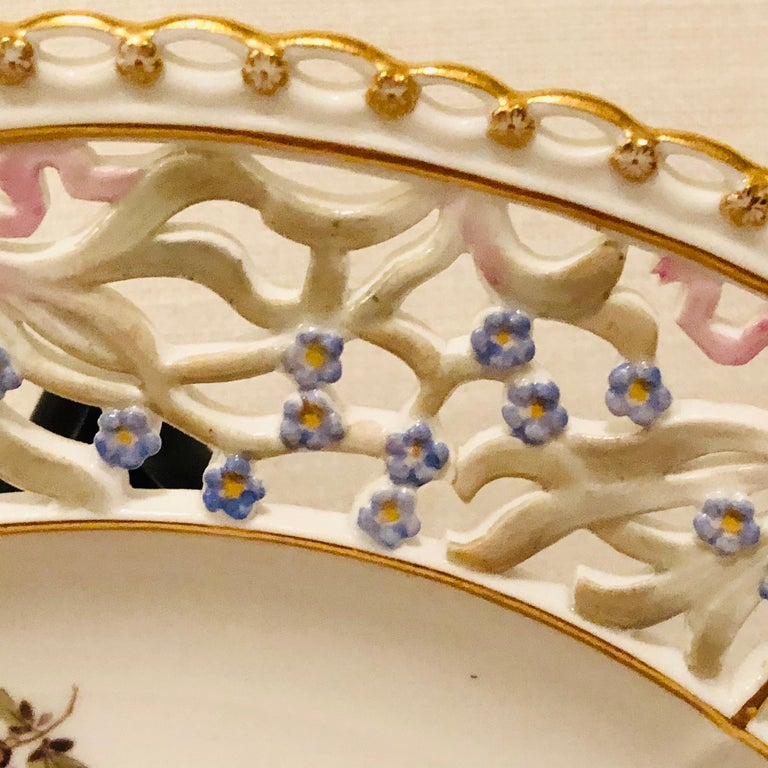 Hand-Painted Meissen Reticulated Plate Painted with Flower Bouquet and Raised Forget Me Nots For Sale