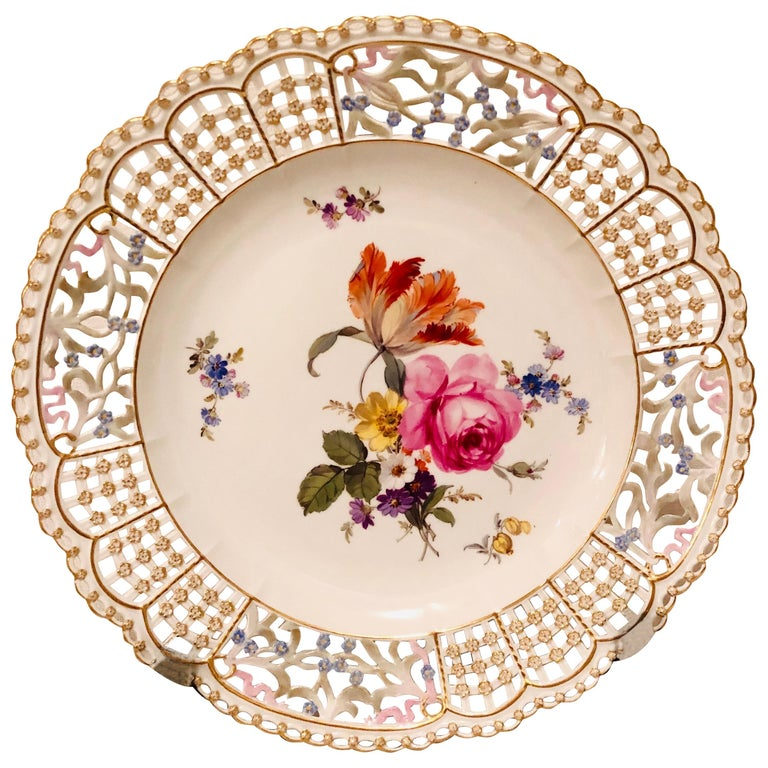 Meissen Reticulated Plate Painted with Flower Bouquet and Raised Forget Me Nots For Sale