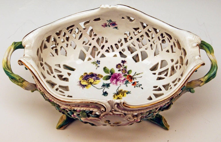German Meissen Rococo Large Oval Reticulated Basket Bowl with Flowers, circa 1763-1773 For Sale