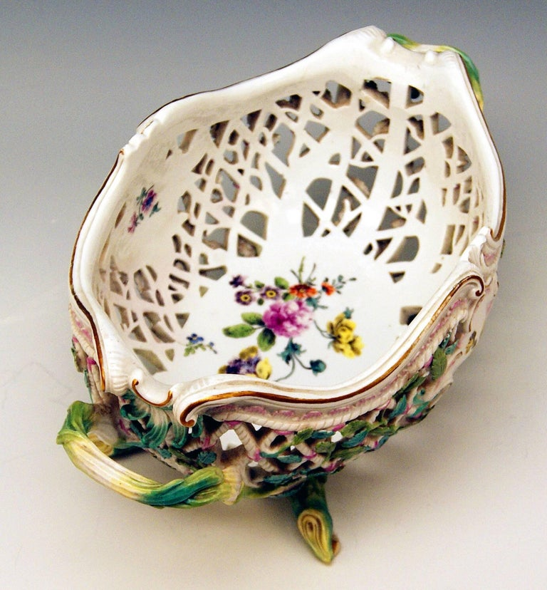 Painted Meissen Rococo Large Oval Reticulated Basket Bowl with Flowers, circa 1763-1773 For Sale