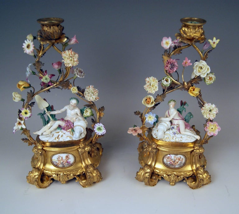 Meissen Ormolu Set Mantel Table Clock Two Candlesticks Porcelain Kaendler, 1770 For Sale 3