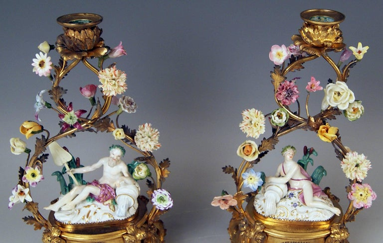 Meissen Ormolu Set Mantel Table Clock Two Candlesticks Porcelain Kaendler, 1770 For Sale 4