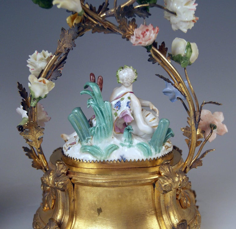 Meissen Ormolu Set Mantel Table Clock Two Candlesticks Porcelain Kaendler, 1770 For Sale 5