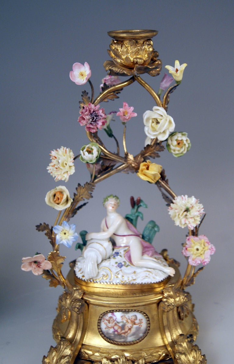 Meissen Ormolu Set Mantel Table Clock Two Candlesticks Porcelain Kaendler, 1770 For Sale 7