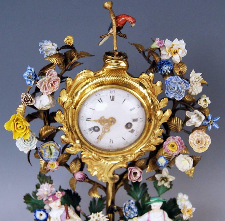 Meissen Ormolu Set Mantel Table Clock Two Candlesticks Porcelain Kaendler, 1770 In Excellent Condition For Sale In Vienna, AT