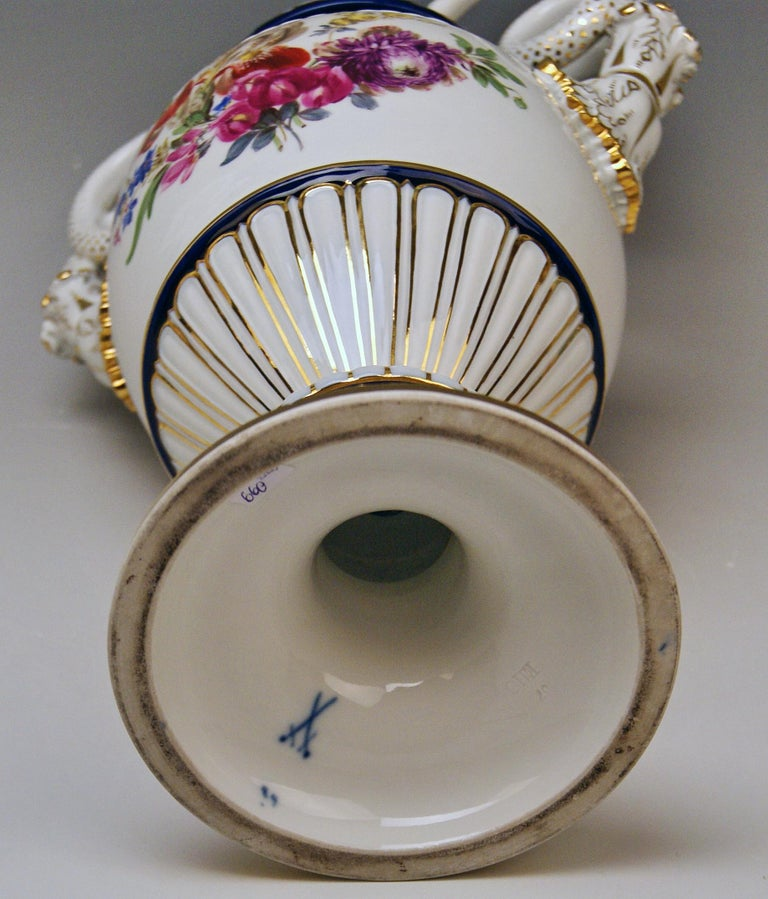 Meissen Snake Handles Vase Painted by Leuteritz, circa 1870 In Excellent Condition For Sale In Vienna, AT