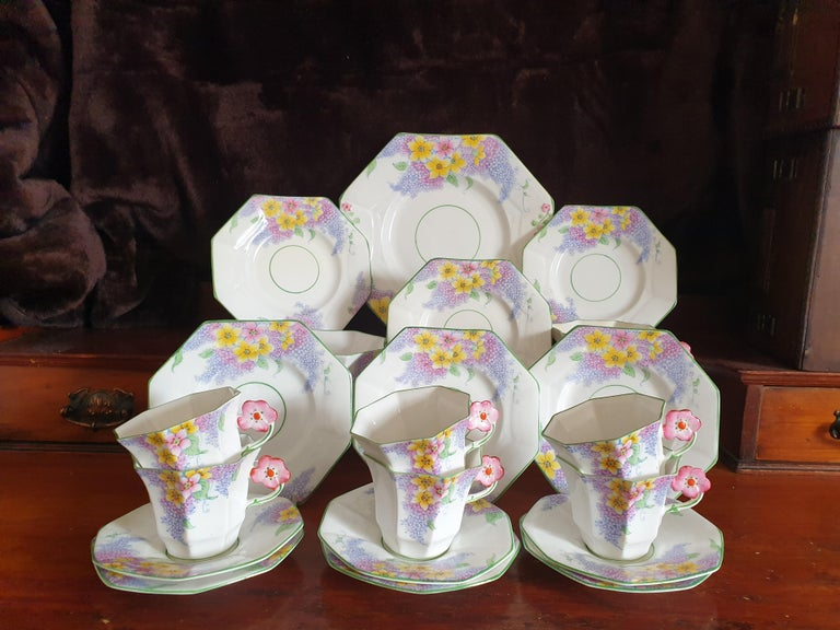 Melba Pink Flower Handle Art Deco Tea Service In Excellent Condition For Sale In London, GB