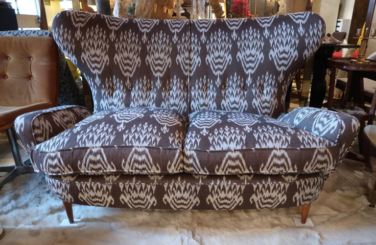 Melchiorre Bega Wood Legs and Brown and White Wool Midcentury Sofa, Italy, 1950 For Sale 1