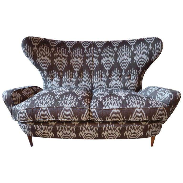 Melchiorre Bega Wood Legs and Brown and White Wool Midcentury Sofa, Italy, 1950 For Sale