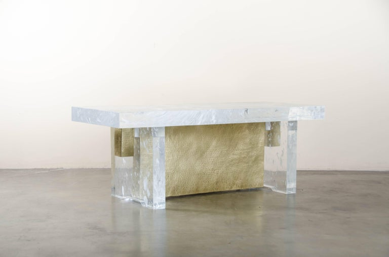 Hand-Carved Melrose Bench, Crystal and Brass by Robert Kuo, Limited Edition, in Stock For Sale