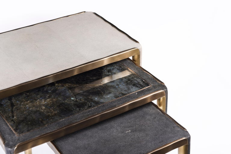 Art Deco Melting Nesting Side Table Set of 3 in Shagreen Lemurian & Brass by R&Y Augousti For Sale