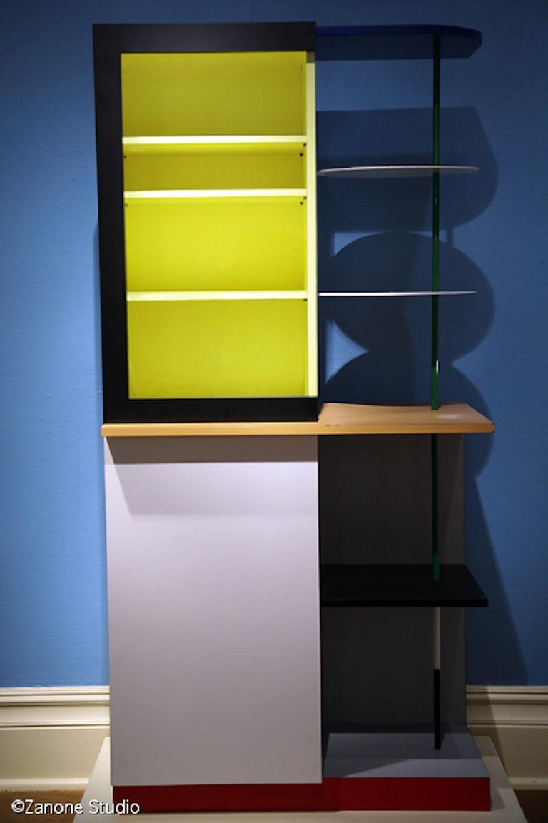 Post-Modern Memphis Milano Airport Cabinet by Gerard Taylor 1982, De Stijl, Red Yellow Blue For Sale