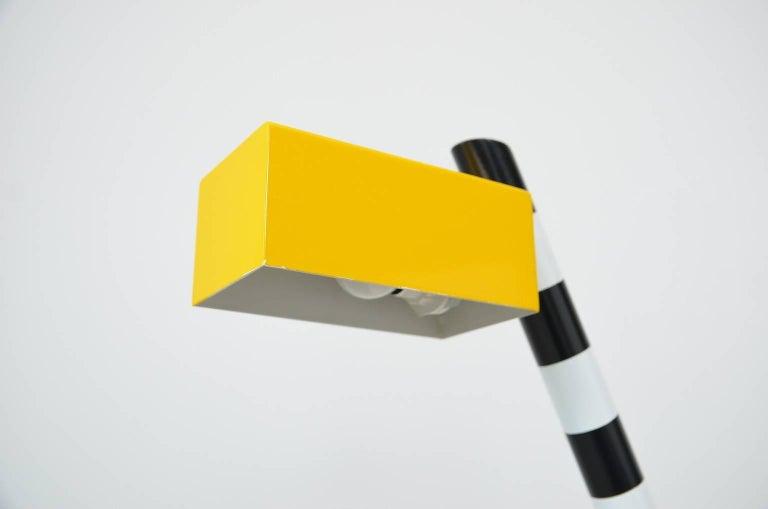 Italian Memphis Oceanic desk lamp by Michele de Lucchi For Sale