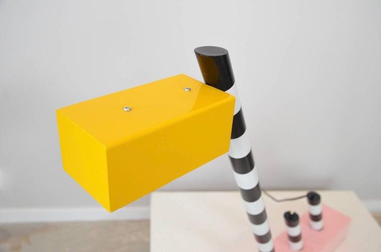 Lacquered Memphis Oceanic desk lamp by Michele de Lucchi For Sale