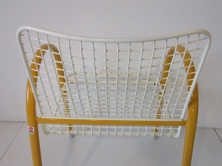 Memphis Styled Italian Stacking Wire Dining Chairs by EMU For Sale 2