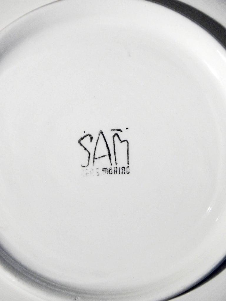 "Italian ""Mending Nets Beachside,"" Rare Midcentury Plate, Società Anonima Marina, Italy For Sale"
