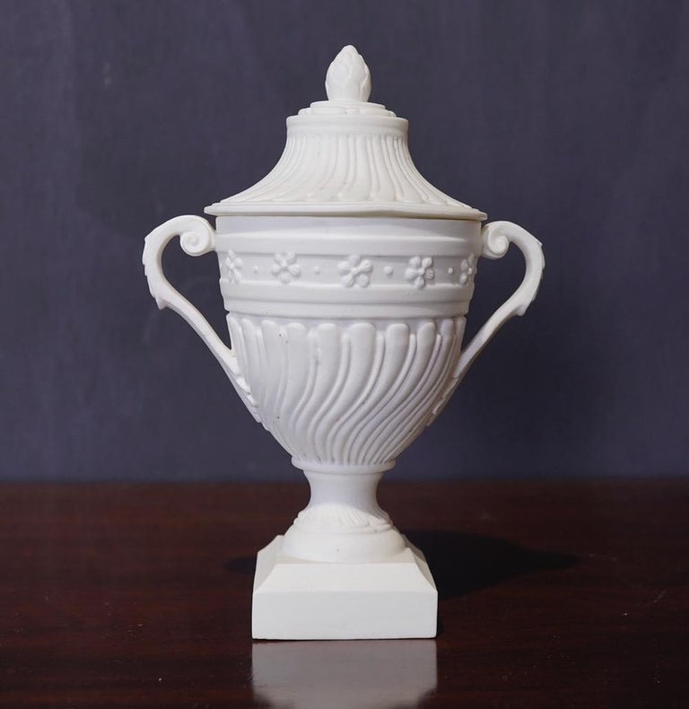 Mennecy Unglazed Porcelain Classical Covered Urn, circa 1765 In Good Condition For Sale In Geelong, Victoria