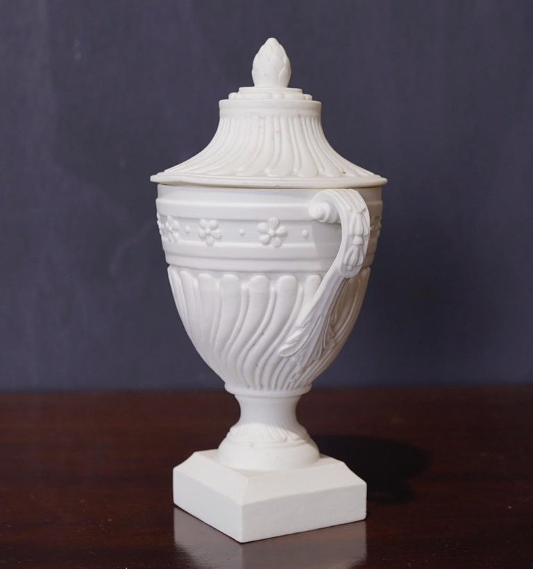 Mid-18th Century Mennecy Unglazed Porcelain Classical Covered Urn, circa 1765 For Sale