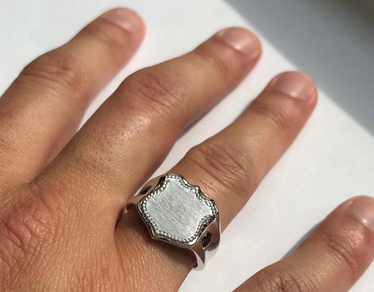 Round Cut Men's 14 Karat White Gold Shield Ring For Sale