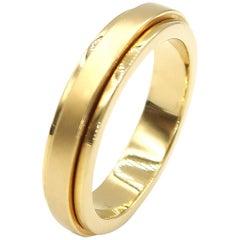 Men's 18 Karat Yellow Gold Step Edge Turnable Band Ring