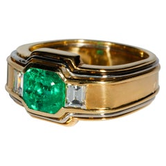 Men's 2.5 Carat Certified Colombian Emerald Ring in Gold With Diamonds