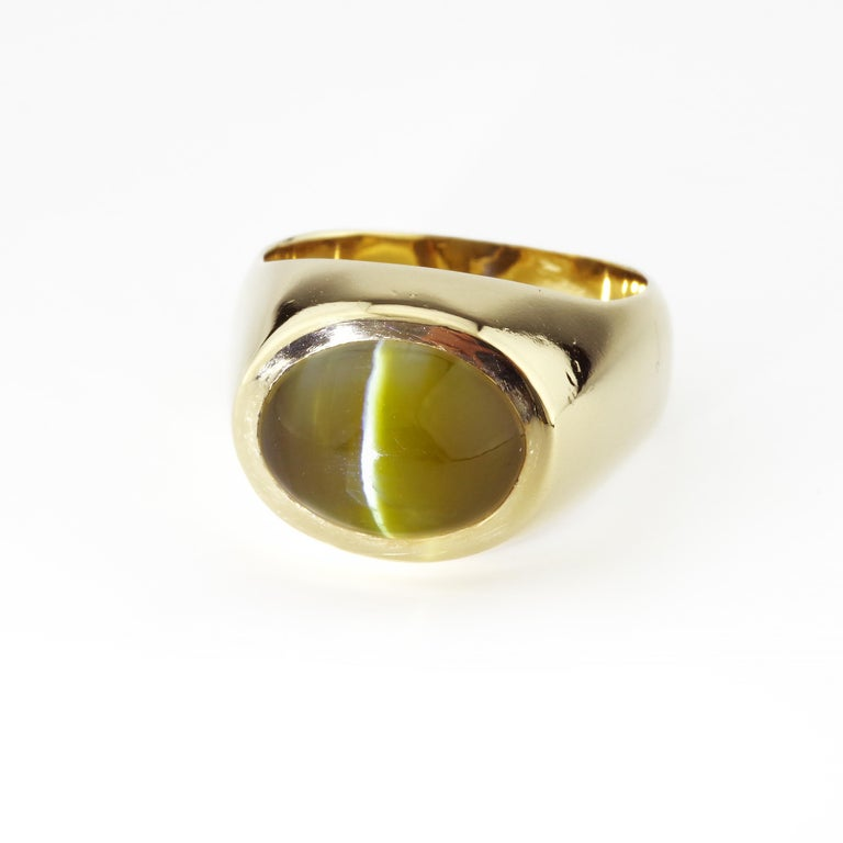 Chrysoberyl is one of the lesser-known gemstones. The Chrysoberyl Cat's Eye was popular in the Victorian period then again in Mid-Century jewelry. It is often accompanied by diamonds because it is frequently a shade of green reminiscent of, well,