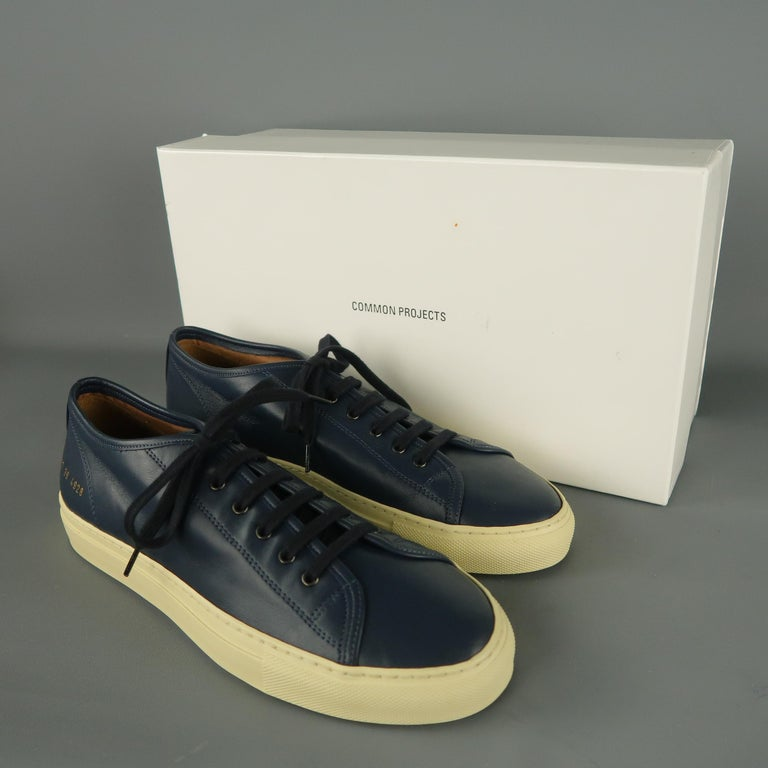 Men's COMMON PROJECTS Achilles Size 6 Navy Leather Sneakers For Sale 4