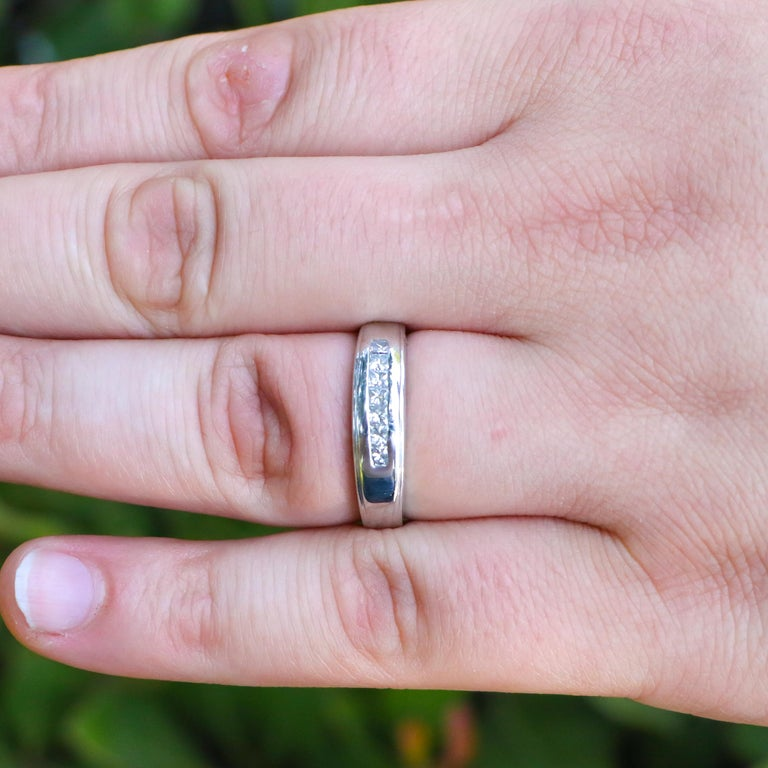 Mens Diamond Ring In Excellent Condition For Sale In Carlsbad, CA