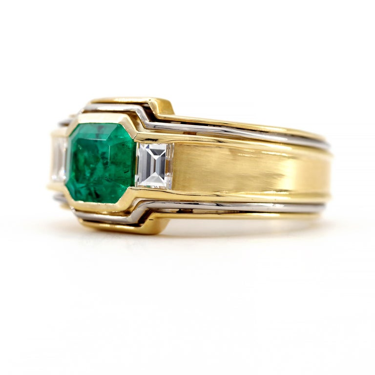 Women's or Men's Emerald Ring in 18 Karat Gold with Diamonds in Architectural Setting For Sale