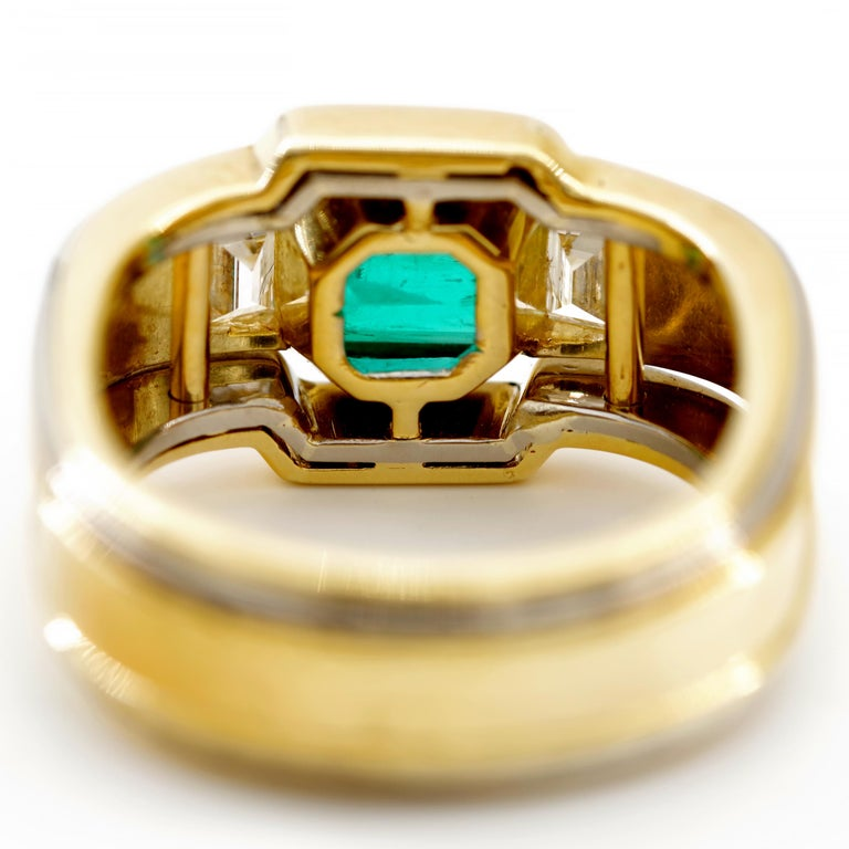 Emerald Ring in 18 Karat Gold with Diamonds in Architectural Setting For Sale 7