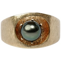 Men's Gold Ring with Tahitian Pearl, circa 1970s