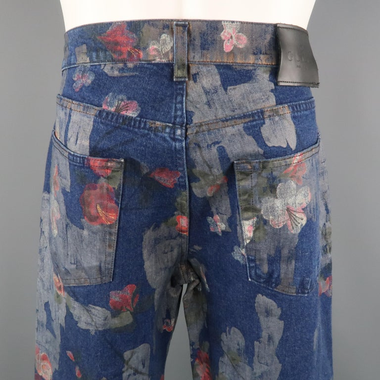 Men's GUCCI by TOM FORD Size 30 Blue Floral Print Denim Wide Leg Jeans For Sale 7