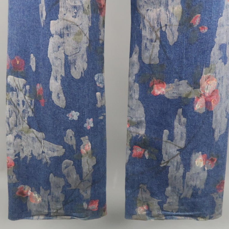 Men's GUCCI by TOM FORD Size 30 Blue Floral Print Denim Wide Leg Jeans For Sale 10