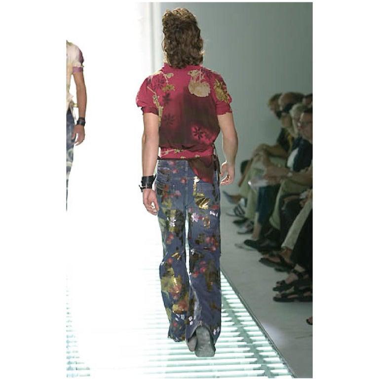 Black Men's GUCCI by TOM FORD Size 30 Blue Floral Print Denim Wide Leg Jeans For Sale