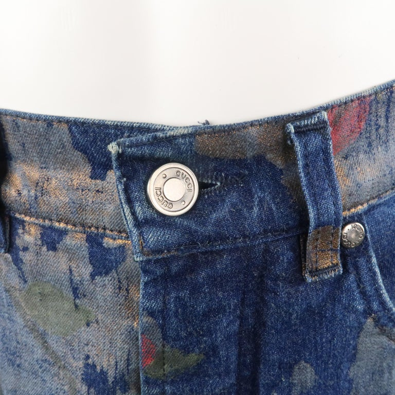Men's GUCCI by TOM FORD Size 30 Blue Floral Print Denim Wide Leg Jeans For Sale 3