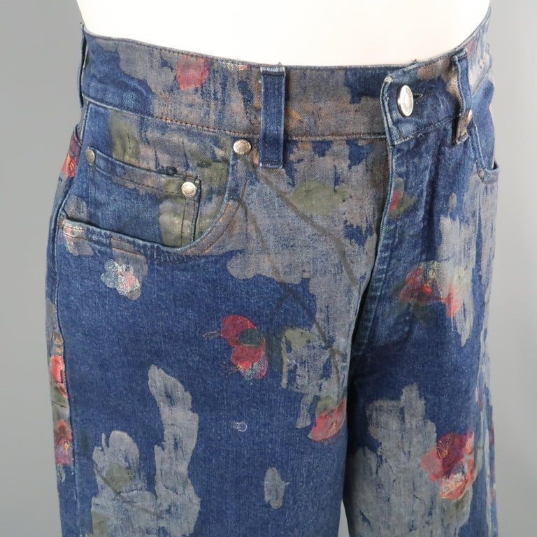 Men's GUCCI by TOM FORD Size 30 Blue Floral Print Denim Wide Leg Jeans For Sale 4