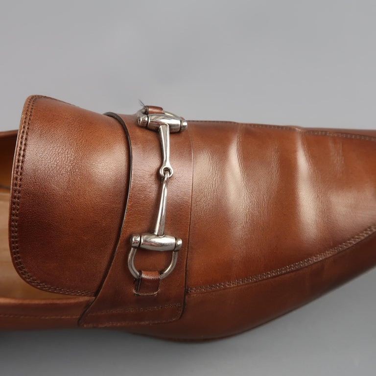 d6a3058e164 GUCCI loafers come in antique tan brown leather with a subtle ombre. pointed  apron toe. Brown Men s GUCCI Size 11 Tan Antique Leather Silver Horsebit ...