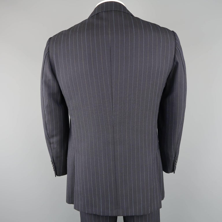 Men's KITON 42 Regular Navy Pinstripe Wool Notch Lapel Suit In Good Condition For Sale In San Francisco, CA
