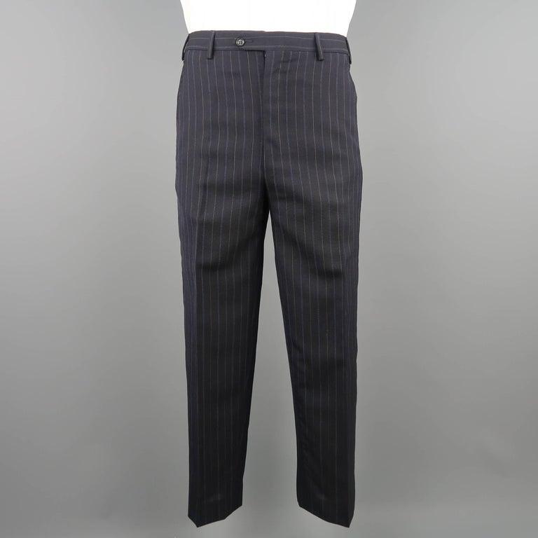 Men's KITON 42 Regular Navy Pinstripe Wool Notch Lapel Suit For Sale 2