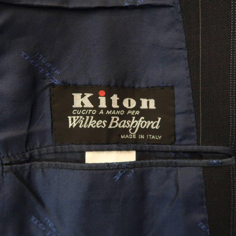 Men's KITON 42 Regular Navy Pinstripe Wool Notch Lapel Suit For Sale 3