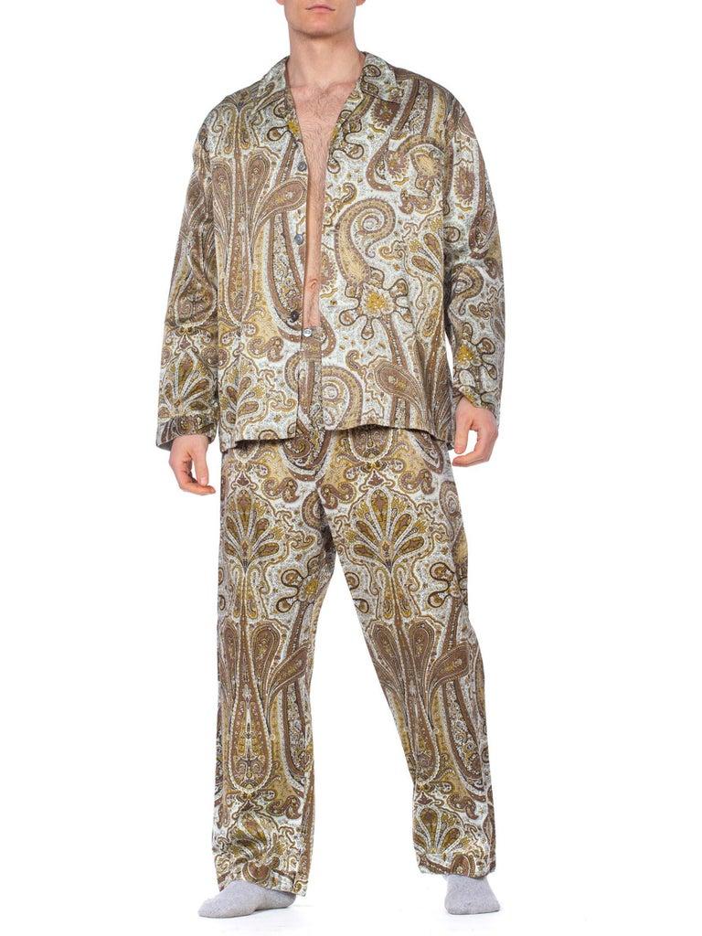 1970S Paisley Cotton Backed Rayon Satin Pajamas Set For Sale 2