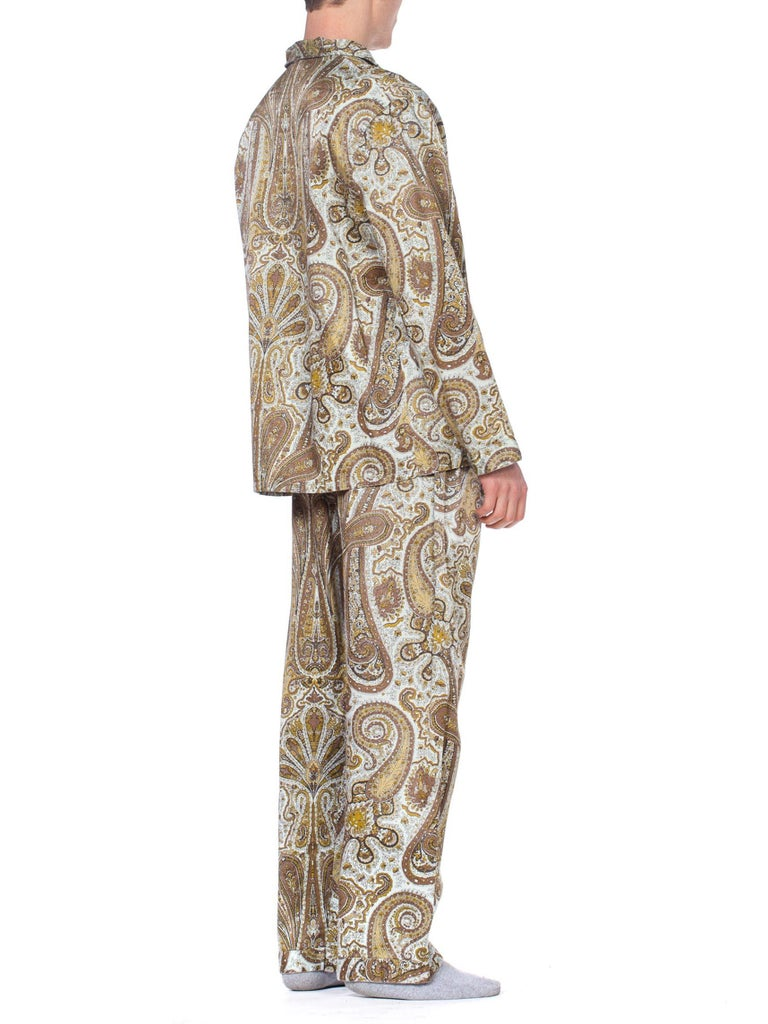 1970S Paisley Cotton Backed Rayon Satin Pajamas Set For Sale 5