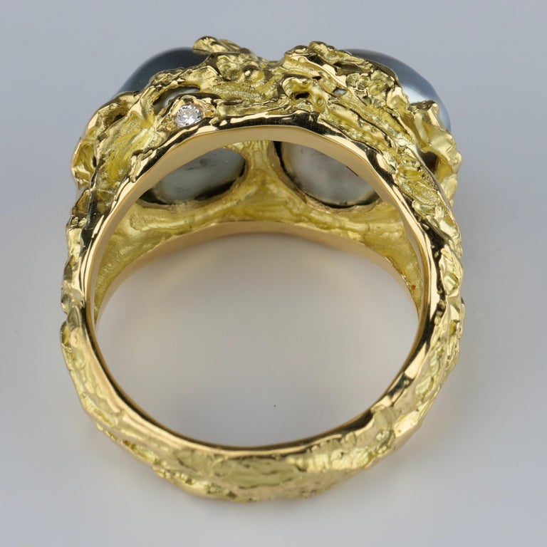 Men's Pearl Ring in Gold with Diamonds For Sale 3