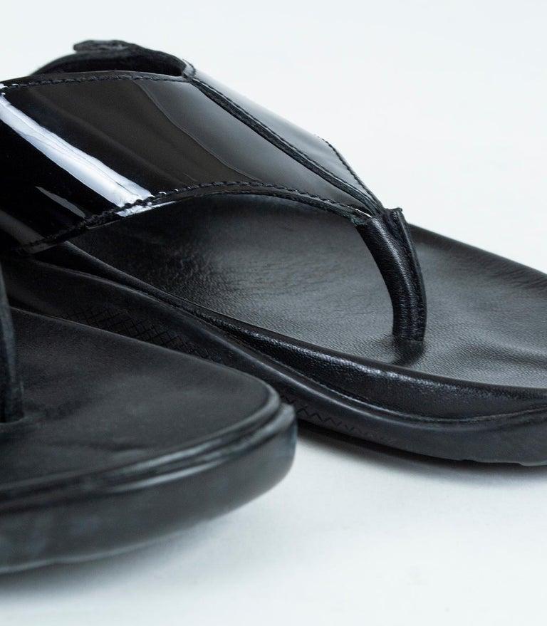 Men's Prada Black Patent Leather Flip Flop Thong Sandals - 21st Century, US 11 For Sale 4