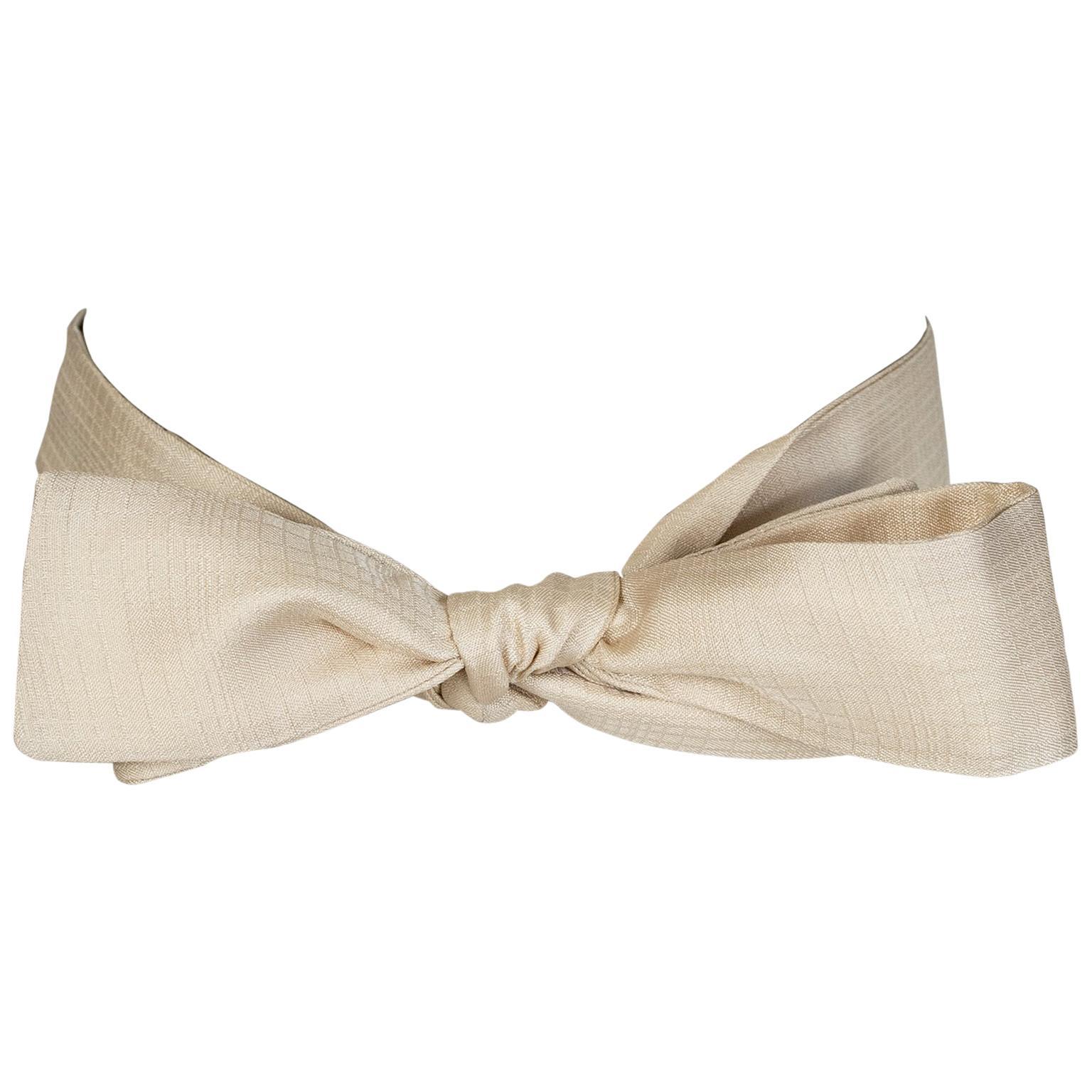 Men's Raw Ivory Tonal Silk Slim Bow Tie – Chicago, 1970s