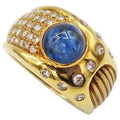Men's Ring 2.55 Carat Cabochon Sapphire 18 Karat Yellow Gold with Diamonds