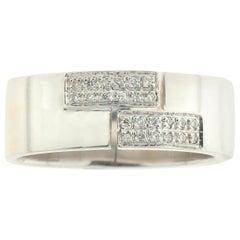 Men's Ring in 18 Karat Gold with Pavê-Set White Diamonds