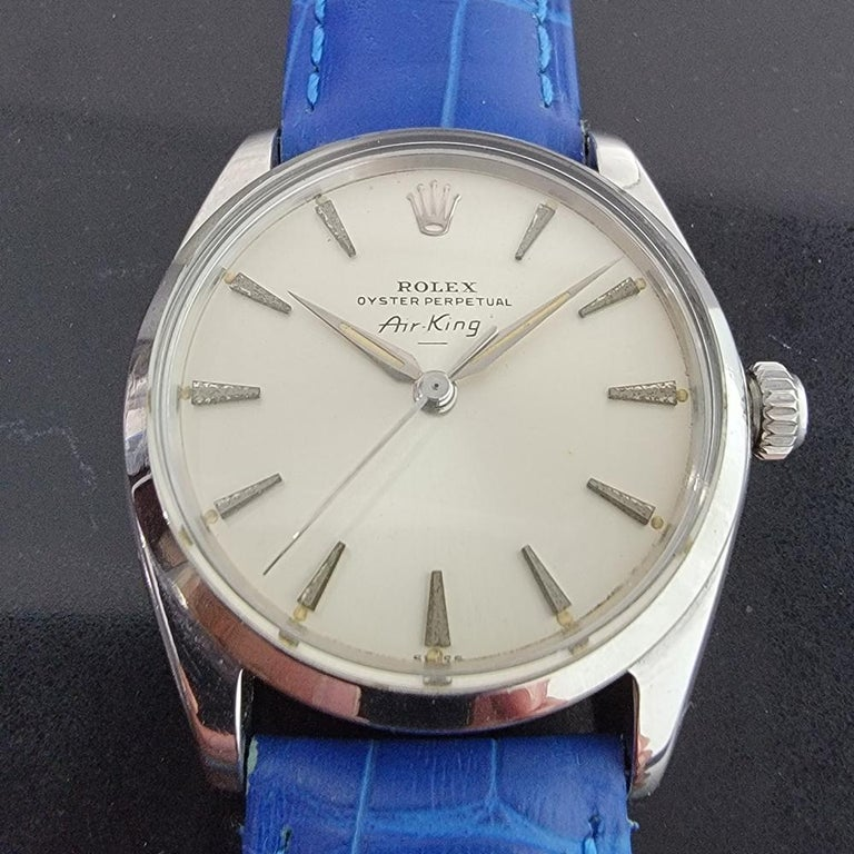 Timeless icon, men's Rolex Oyster Perpetual Air-King 5500 automatic, c.1963. Verified authentic by a master watchmaker. Gorgeous Rolex signed cream dial, applied indice hour markers, lumed minute and hour hands, sweeping central second hand, hands