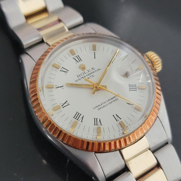 Mens Rolex Oyster Perpetual Date 1500 Gold ss Automatic 1970s Swiss RA164 In Excellent Condition For Sale In Beverly Hills, CA