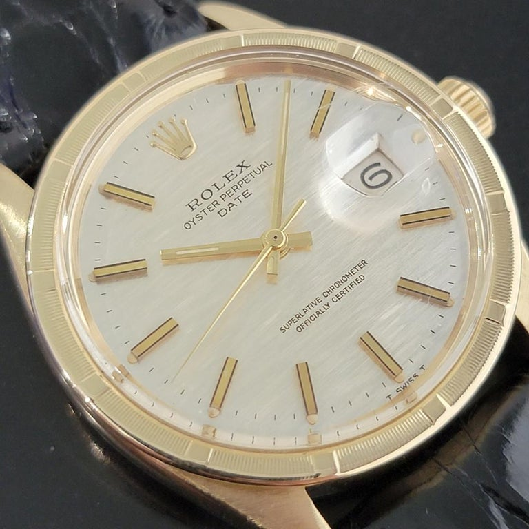 Mens Rolex Oyster Perpetual Date 1501 14k Solid Gold Automatic 1970s RA220 In Excellent Condition For Sale In Beverly Hills, CA